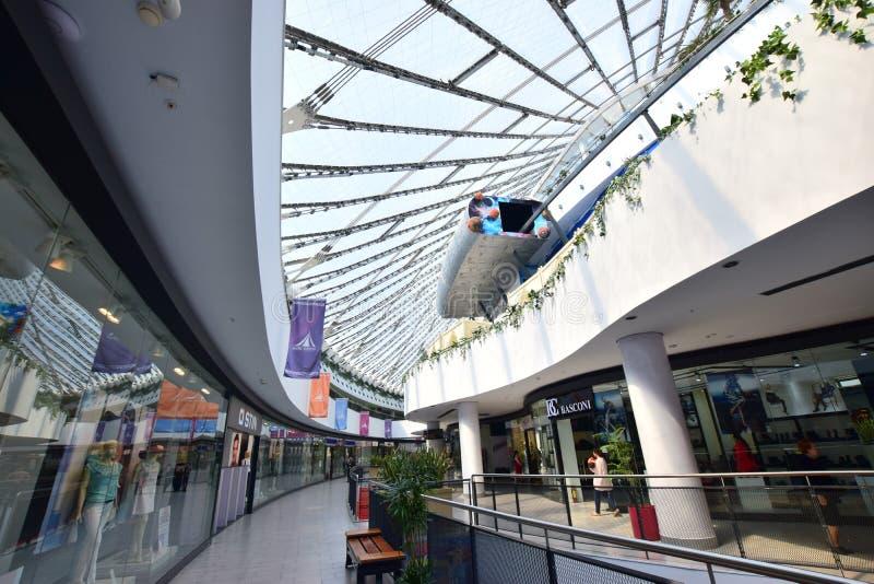 Cúpula do centro de entretenimento KHAN SHATYR em Astana fotos de stock royalty free