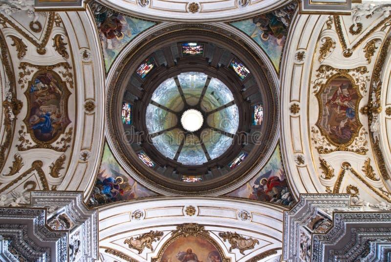 Cúpula e teto do chiesa del Gesu do La da igreja ou da casa Professa imagens de stock royalty free
