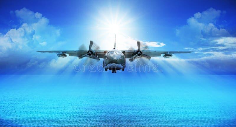 C123军事平面着陆 皇族释放例证