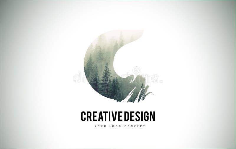 C-bokstavsborste med Forest Fog Texture Forest Trees Letter Logo stock illustrationer