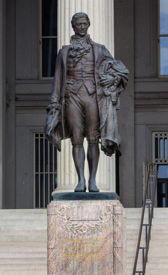 C.C. de Alexander Hamilton Statue Washington do departamento da Tesouraria dos E.U. fotos de stock royalty free