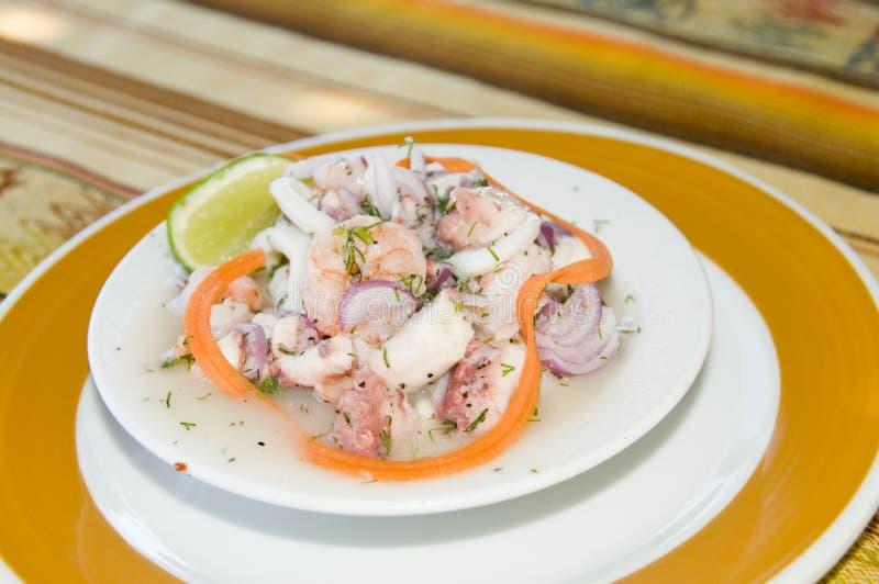 c caracol ocotpus sałatkowa owoce morza garnela obrazy royalty free
