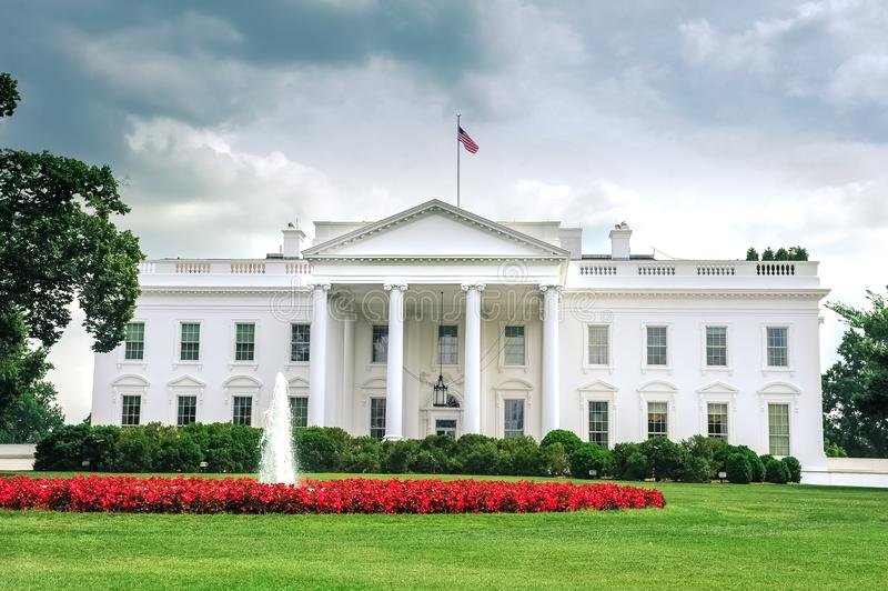 c d房子华盛顿白色 C /Columbia/USA - 07 11 2013年:在白宫的广角看法,词条边, 库存图片