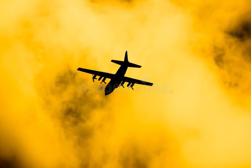 C-130 de l'Arm?e de l'Air tha?landaise royale photographie stock