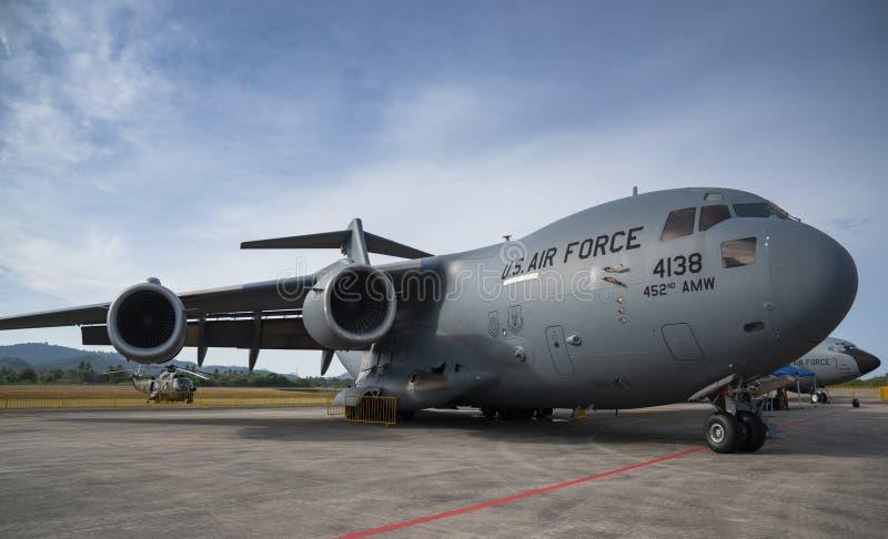 C-17 do U.S.A.F. Boeing na exposição em LIMA Expo fotos de stock royalty free