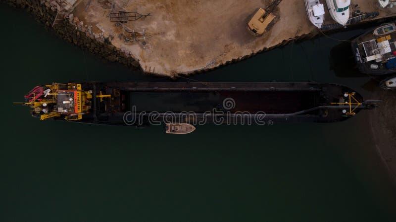 C'est un bureau et un shipyardin Tavira dans Algarve photos libres de droits