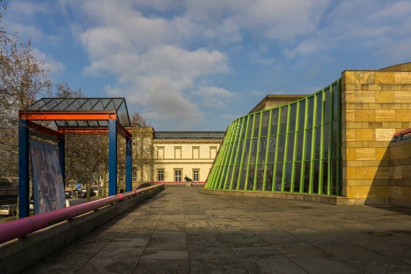 C'est un endroit célèbre pour l'art, la culture et l'histoire près de Konrad-Adenauer-Strasse photographie stock libre de droits