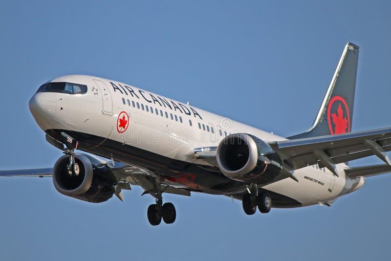 C-FSIP :加航波音737 MAX 8在多伦多皮尔逊 免版税库存照片