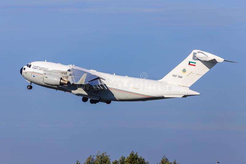 C17 Globemaster III da força aérea de Kuwait foto de stock royalty free