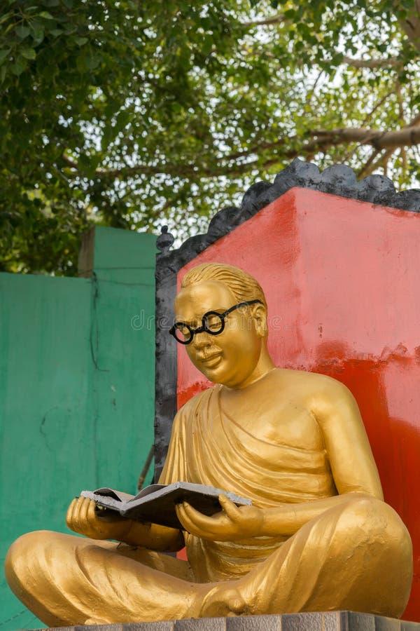 C n Annadurai staty i den Karaikudi staden royaltyfri fotografi