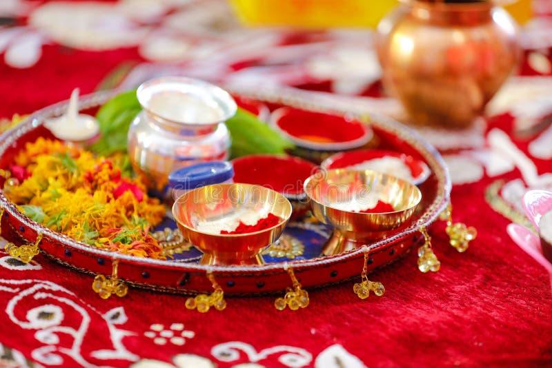 C?r?monie indoue Puja Thali images libres de droits