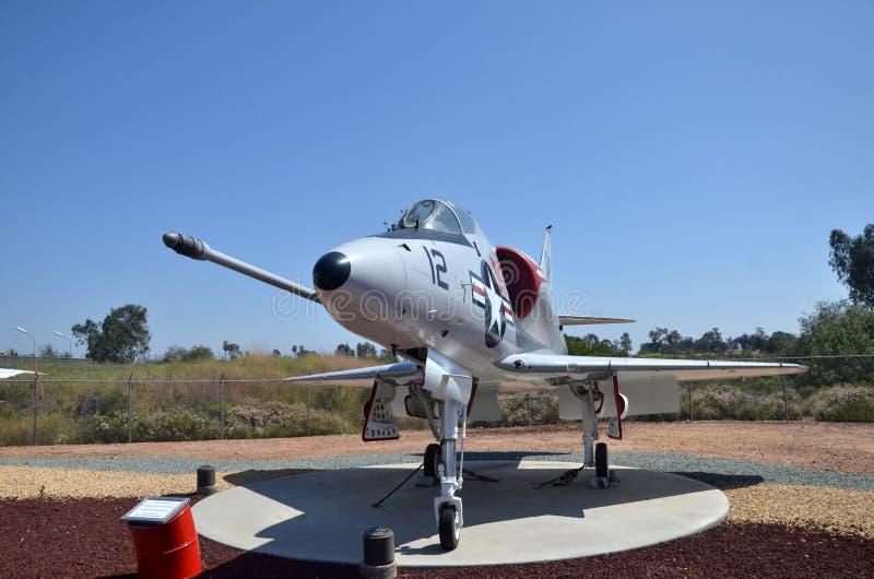 A-4C Skyhawk samolotu szturmowego pokaz wśrodku Latać Leatherneck lotnictwa muzeum w San Diego, Kalifornia zdjęcia royalty free