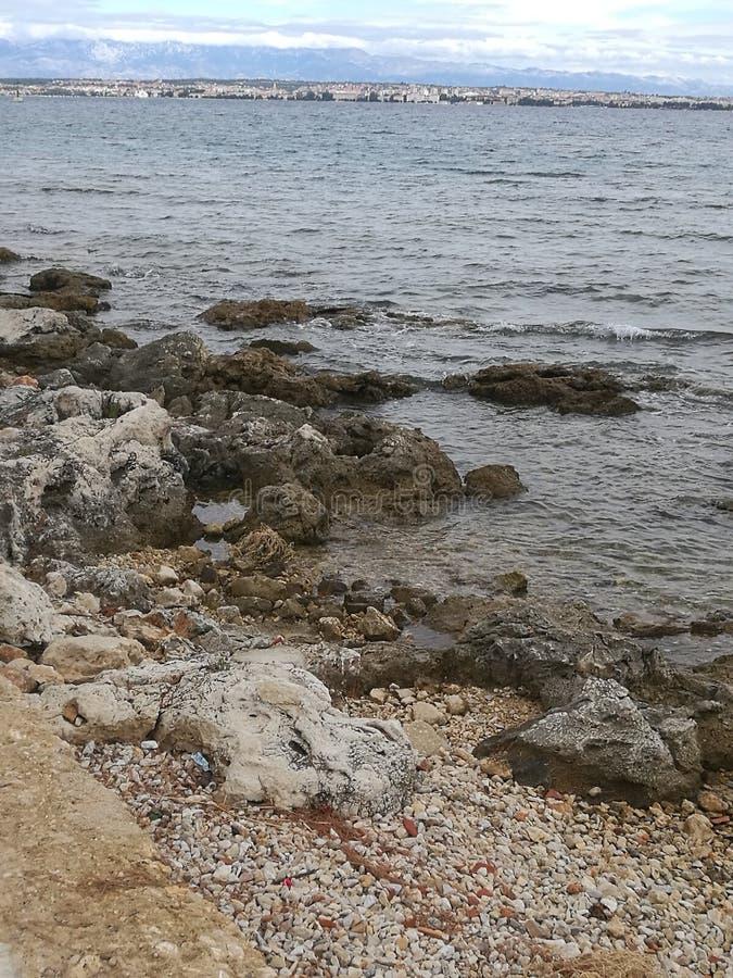 côté de mer images stock
