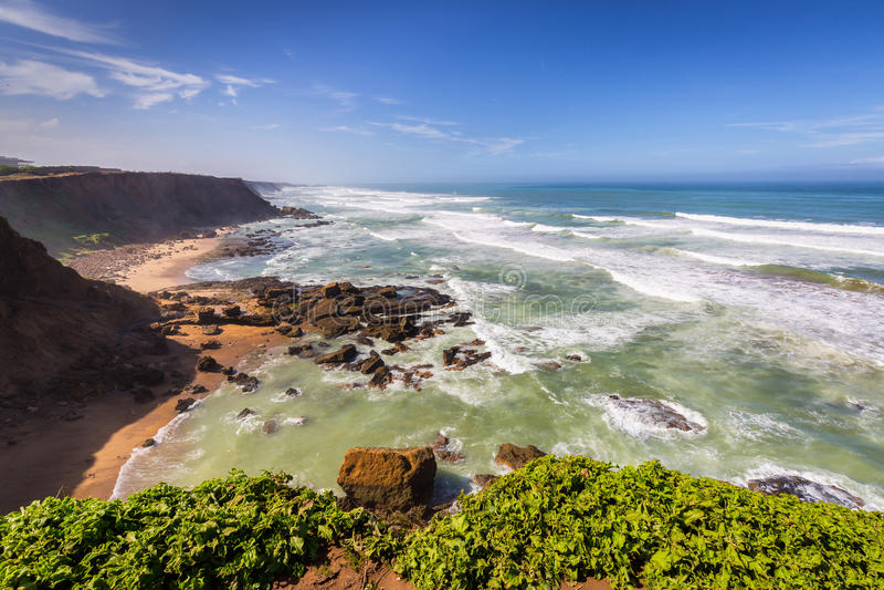 Côte atlantique orageuse près de Rabat-vente, Maroc images libres de droits
