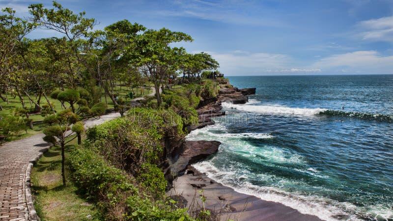 Côte au temple d'Uluwatu, Bali images libres de droits