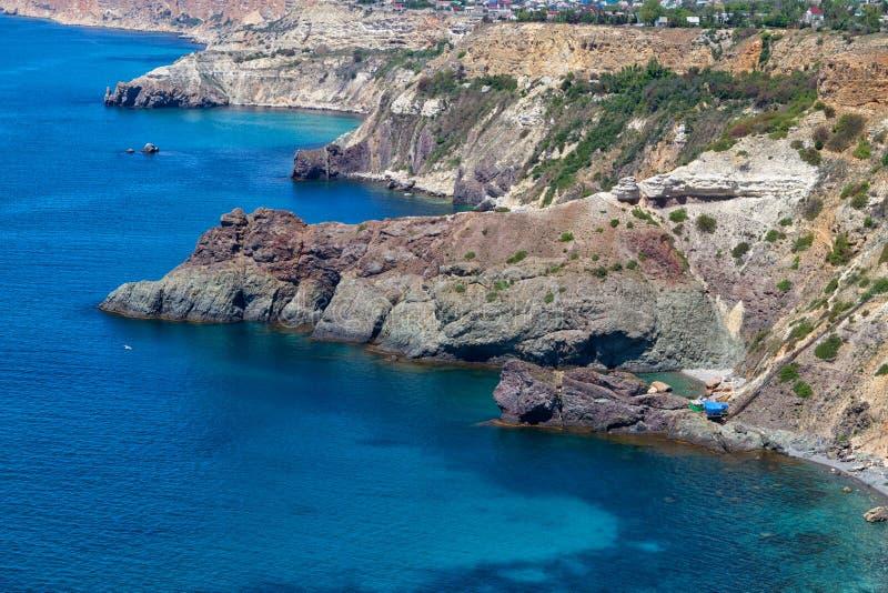 Côte de la Mer Noire près de la ville de Sébastopol photographie stock libre de droits