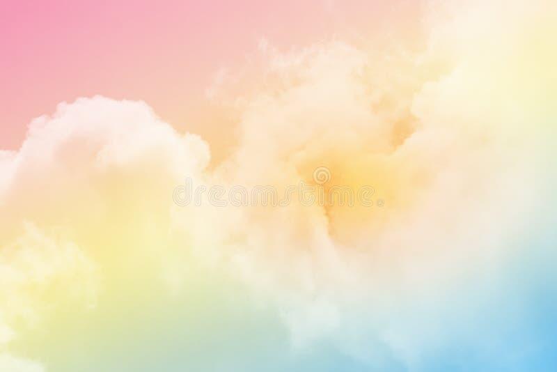 C?u nebuloso fant?stico com cor pastel do inclina??o, fundo do sum?rio da natureza fotos de stock royalty free