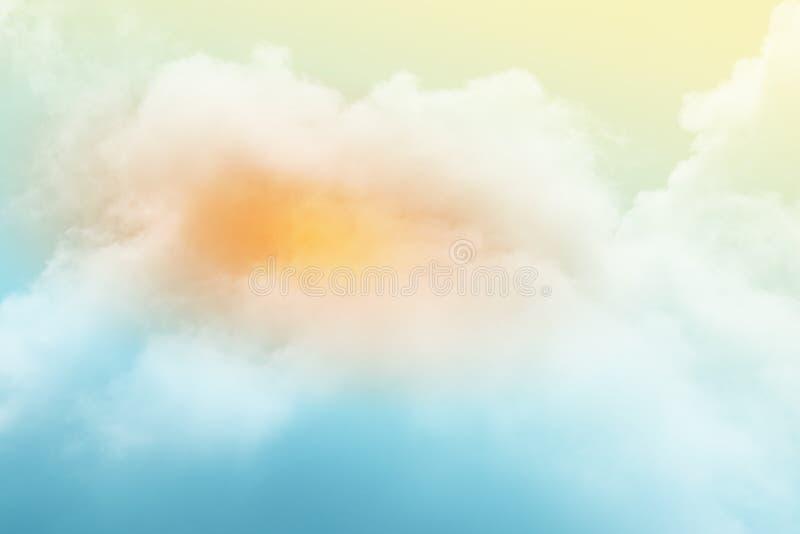 C?u nebuloso fant?stico com cor pastel do inclina??o, fundo do sum?rio da natureza imagens de stock