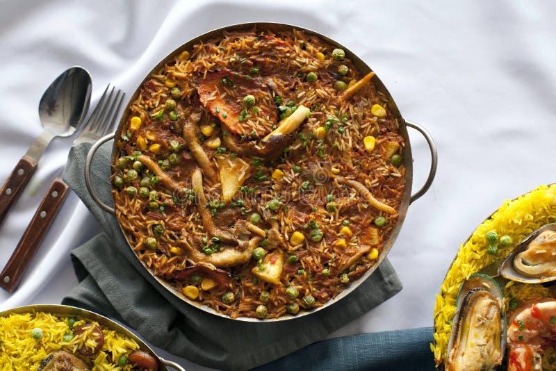Caçarola com paella imagens de stock royalty free