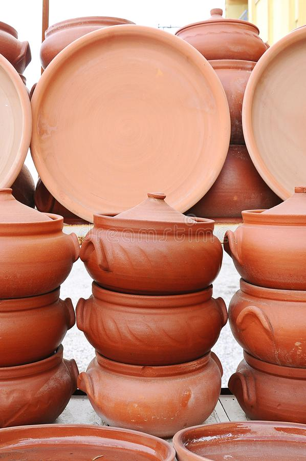 Caçarola, potenciômetro e jarro tradicionais da argila de Turquia fotografia de stock royalty free