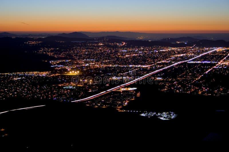 Caída de la noche de la ciudad fotografía de archivo libre de regalías