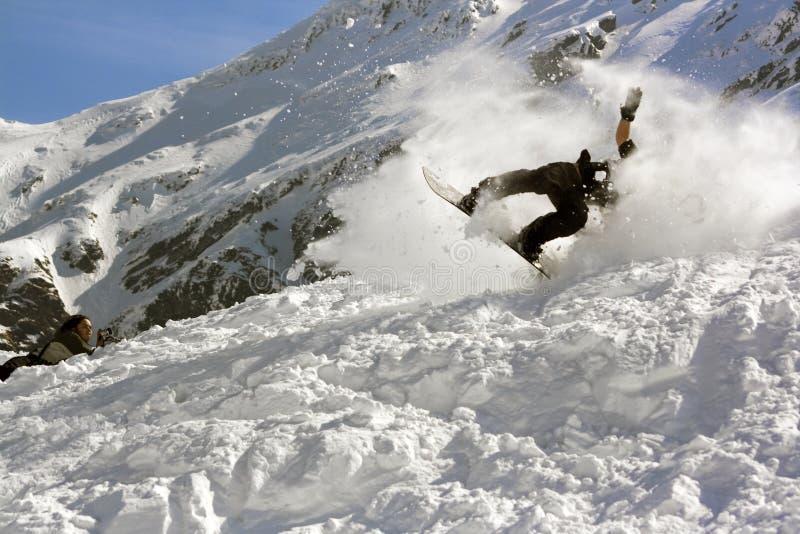 Caída de la snowboard   imagen de archivo