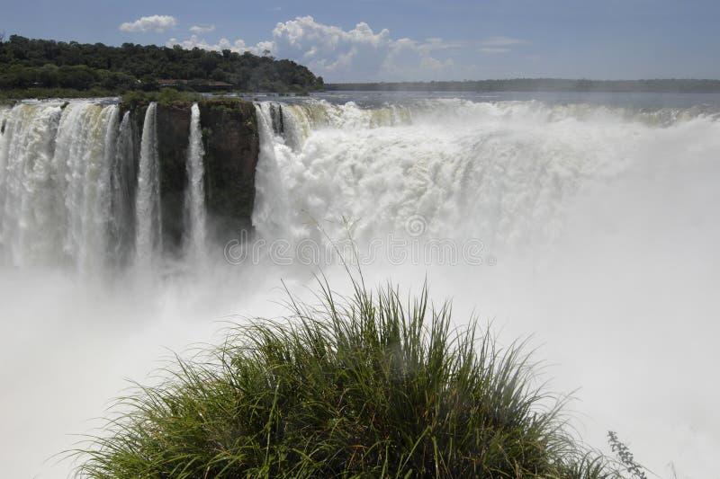 Caída del agua de Iguazu imagen de archivo libre de regalías