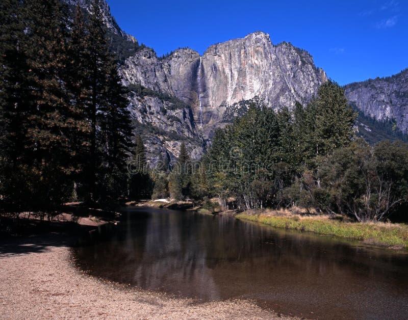 Caída superior de Yosemite, California. foto de archivo