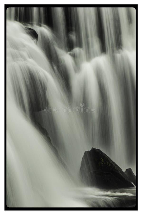 Caídas calvas del río foto de archivo