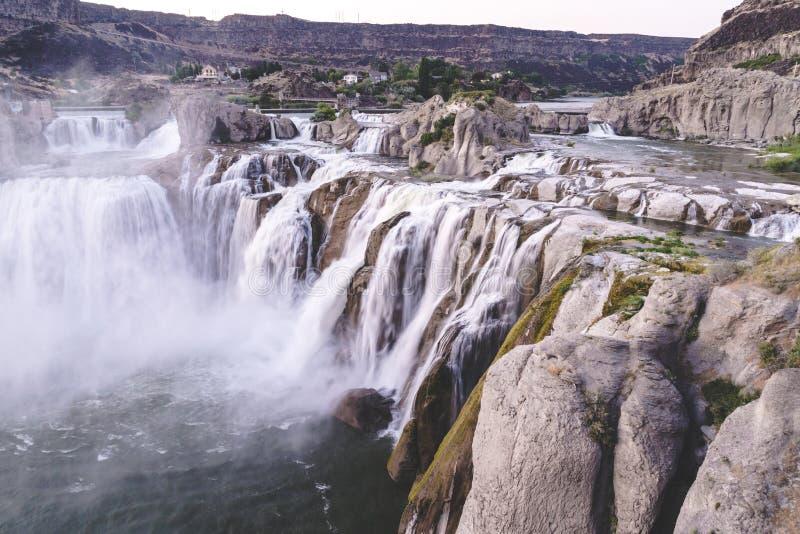 Caídas del Shoshone en Twin Falls Idaho en la puesta del sol en el verano imagen de archivo libre de regalías