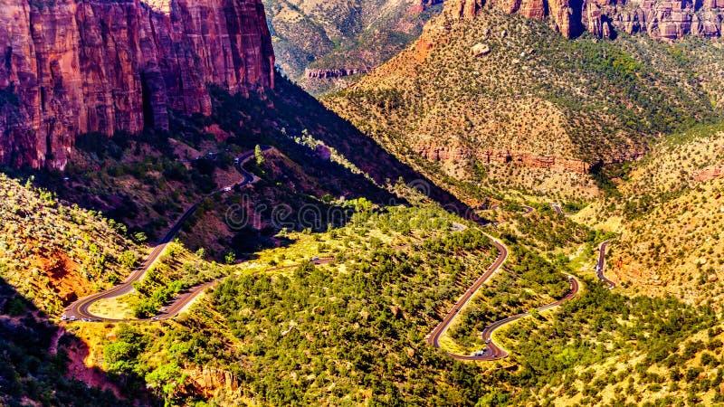 Cañón de Zion, con las curvas de la carretera Zion-Monte Carmel en el Parque Nacional de Zion, Utah imagen de archivo libre de regalías