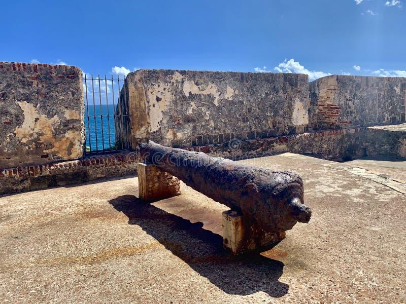Cañón en Castillo San Felipe del Morro, también conocido como EL Morro en viejo San Juan Puerto Rico imagen de archivo