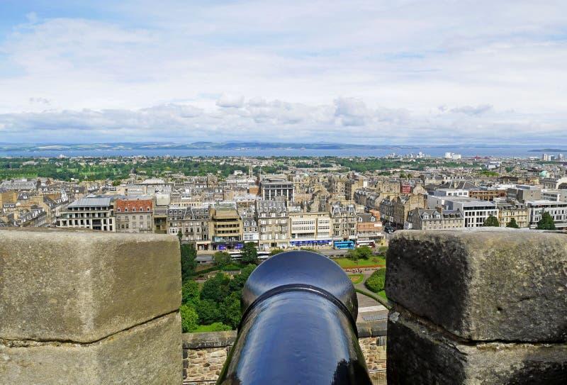 Cañón en el castillo de Edimburgo en Escocia imagen de archivo libre de regalías