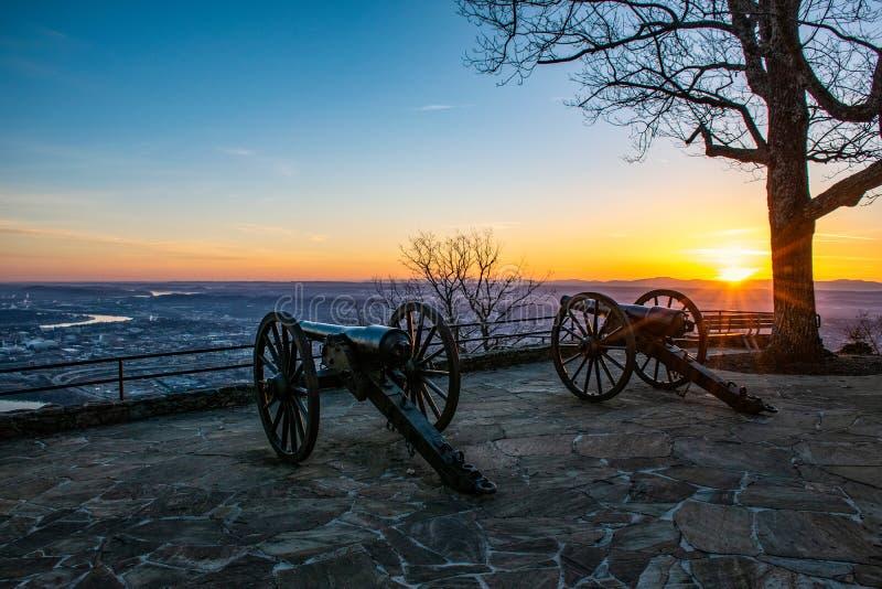 Cañones de la guerra civil del parque del punto en Chattanooga Tennessee TN imágenes de archivo libres de regalías