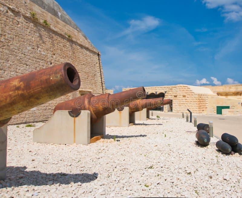 Cañones en el fuerte St Elmo foto de archivo libre de regalías