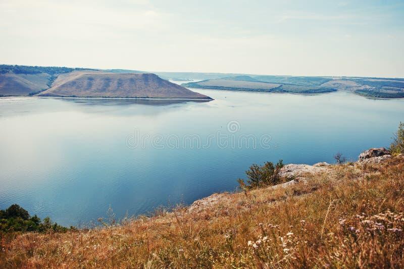 Całkowicie stunning, breathtaking i malowniczy widok jezioro s, zdjęcie stock