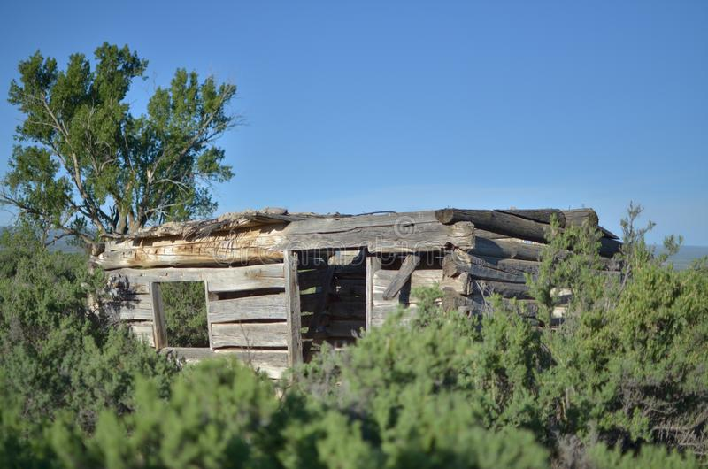 Cabaña de madera de antaño imagen de archivo libre de regalías
