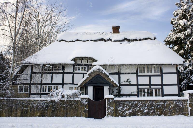 Cabaña del invierno imagen de archivo libre de regalías