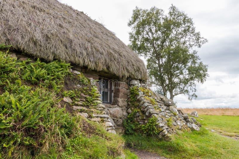 Cabaña en el campo de batalla de Culloden fotos de archivo