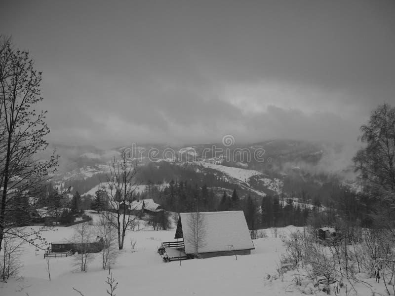 Cabaña en las montañas polacas de Beskidy fotos de archivo libres de regalías