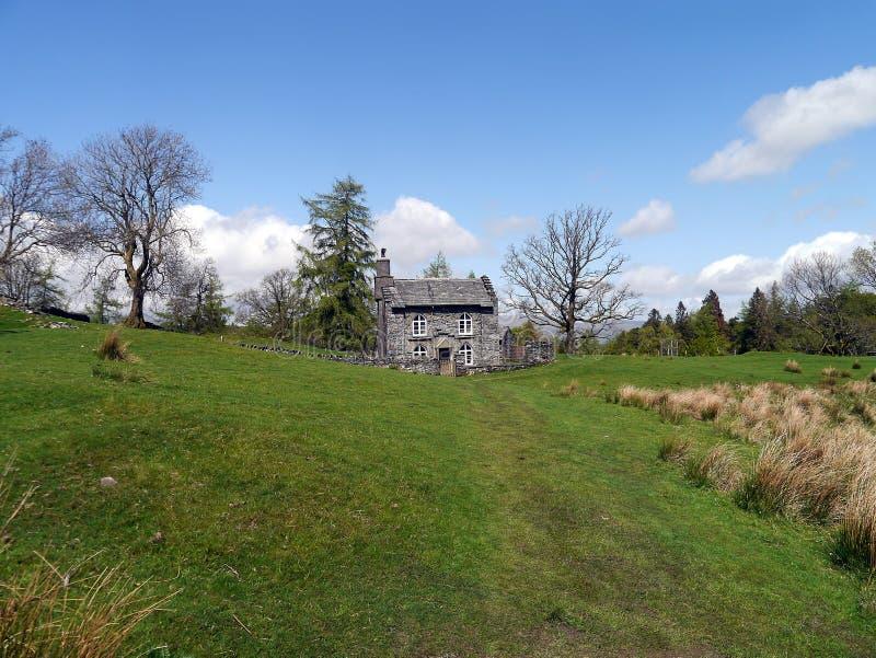 Cabaña en los Hows del Tarn, distrito de Rose Castle del lago foto de archivo