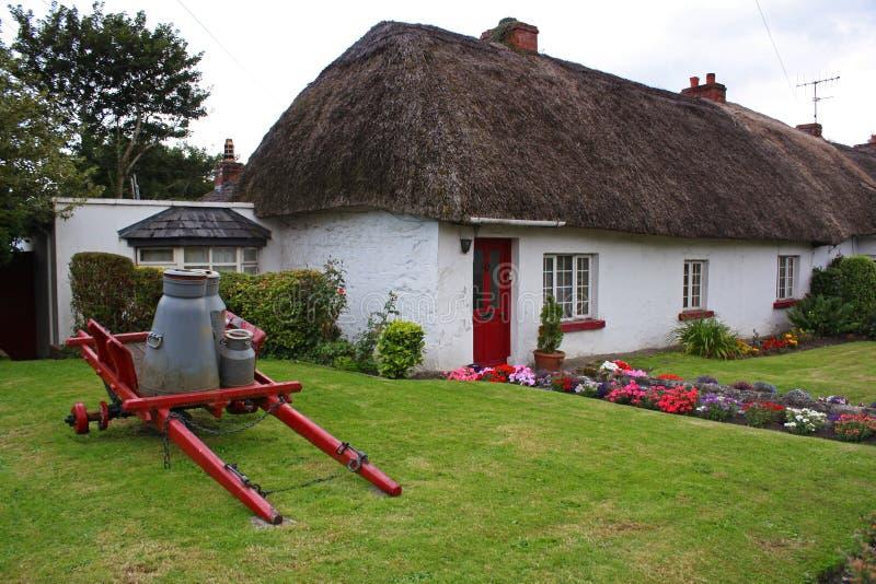 Cabaña irlandesa vieja imagen de archivo