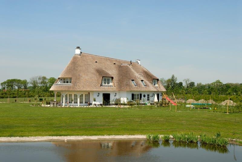 Cabaña tradicional en los Países Bajos imagen de archivo