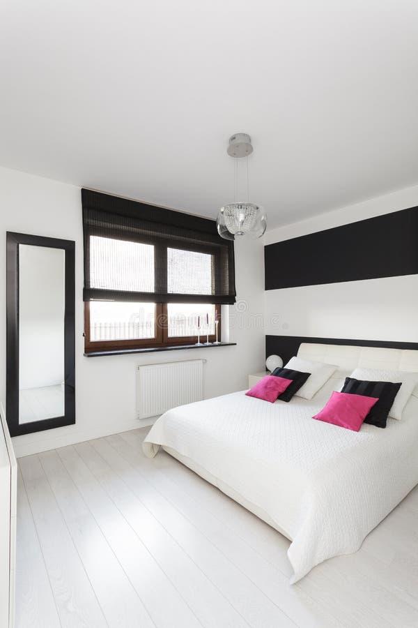 Cabaña vibrante - dormitorio foto de archivo libre de regalías