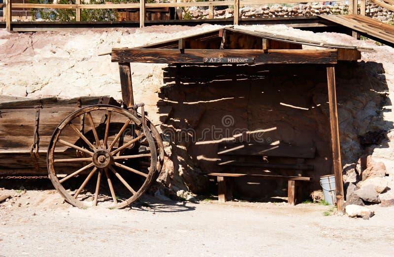 Cabaña Y Horsewagon De La Vendimia Fotografía de archivo libre de regalías