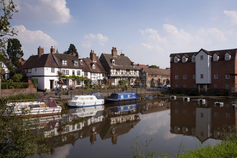 Cabañas pintorescas de la orilla en Tewkesbury, Gloucestershire, Reino Unido imagen de archivo libre de regalías