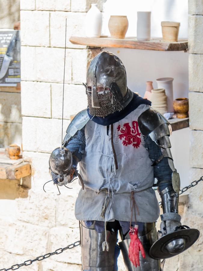 Caballero - el participante en los caballeros del ` del festival del ` de Jerusalén se coloca en la lista antes de un duelo en Je fotos de archivo libres de regalías