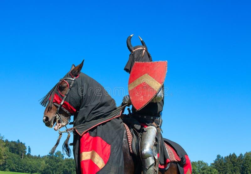Caballero en el caballo foto de archivo