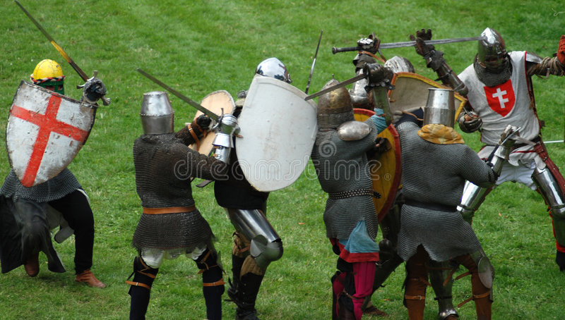 Caballeros footed medievales, lucha fotos de archivo libres de regalías