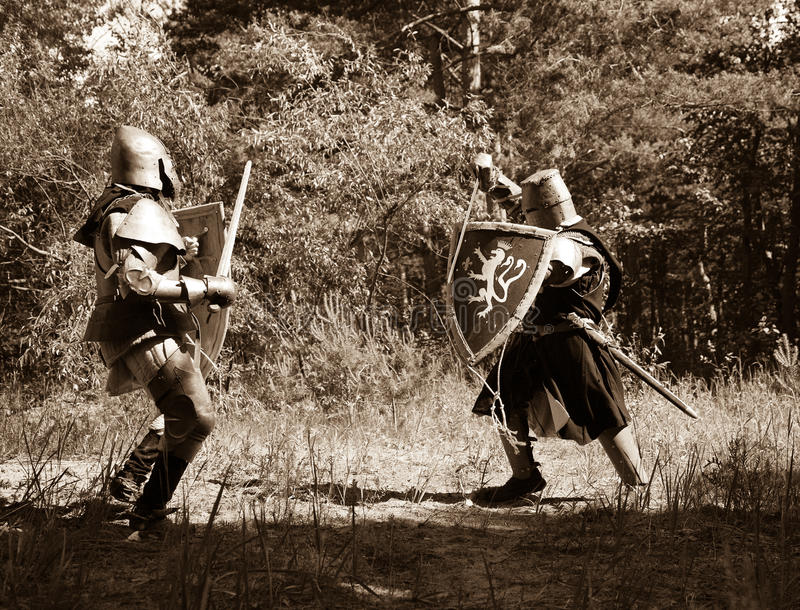 Caballeros que luchan imagen de archivo